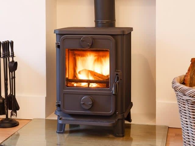 Houtverwarming : duurzaam verwarmen met hout